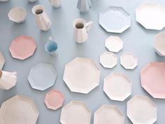 To know more about キギ 器湖, visit Sumally, a social network that gathers together all the wanted things in the world! Featuring over 169 other キギ items too! Japan Design, Kitchenware, Tableware, Paper Tray, Ceramic Bowls, Ceramic Art, Stoneware, Pantone Color, Diys