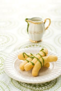 I bet these Patongkoh (Thai fried dough) with Green Tea Crème Anglaise are delicious!