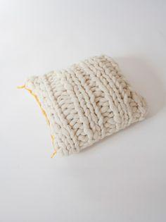 Cojín Cuadrado Amarillo- Elástico   Knittingnoodles