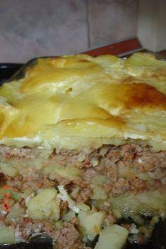 Musaca de cartofi, Rețetă Petitchef Good Food, Yummy Food, Romanian Food, Casserole Dishes, Superfoods, Lasagna, Food To Make, Food And Drink, Tasty