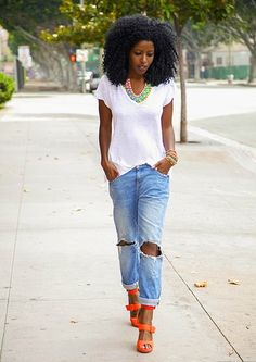 How to Wear Boyfriend Jeans | via @StyleCaster