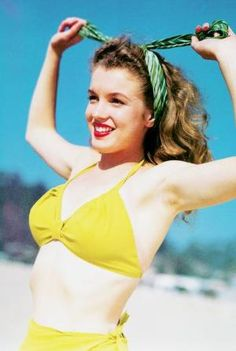 Marilyn Monroe photographed by Andre De Dienes, 1945 by marie