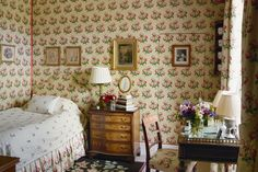 "[i]A bedroom, decorated by Fiona, has walls covered in Colefax & Fowler's 'Bowood' design, which also features on the bed valance, headboard, curtains and chair upholstery.[/i]  Like this? Then you'll love  [link url=""http://www.houseandgarden.co.uk/interiors/wallpaper""]Wallpaper ideas »[/link]"