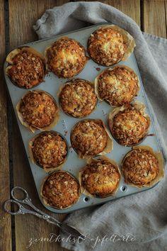 Gesunde Himbeermuffins mit Knusperstreuseln aber ohne Zucker gehen immer: zum Frühstück, für Unterwegs, zum Kaffeestündchen, yummie!