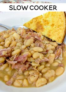 Cooker Ham & White Beans - the best way to use up your holiday ham! Serve w. -Slow Cooker Ham & White Beans - the best way to use up your holiday ham! Serve w. Crockpot Dishes, Crock Pot Slow Cooker, Crock Pot Cooking, Slow Cooker Recipes, Soup Recipes, Great Recipes, Cooking Recipes, Soul Food Recipes, Soul Food Meals