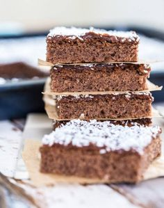 Kärleksmums i långpanna Fika, Tiramisu, Ethnic Recipes, Desserts, Recipes, Tailgate Desserts, Deserts, Postres, Dessert