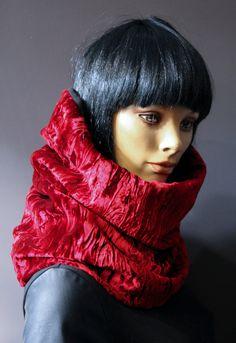 1ffd10c12b29 Scarf tube mega collar hooded snood neck super comfortable crumpled red  velvet cherry lined Black Fleece. Cache CouSnoodTube ...