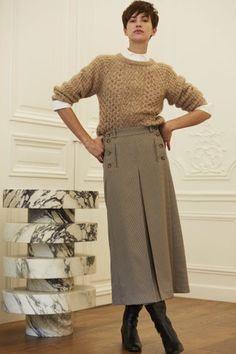 Ines de la Fressange Herbst/Winter Ready-to-Wear - Kollektion Fashion Week, Work Fashion, Modest Fashion, Fashion Show, Fashion Design, 70s Outfits, Style Outfits, Cute Outfits, Professional Outfits