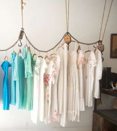 Pulley System Shop Displays- could do this in new place?? get one of those things for drying cloths/ hanging pots?