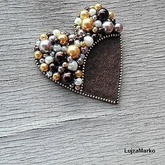 VK is the largest European social network with more than 100 million active users. Zipper Jewelry, Fabric Jewelry, Bead Embroidery Jewelry, Beaded Embroidery, Brooches Handmade, Handmade Jewelry, Zipper Crafts, Felt Crafts Diy, Bead Sewing