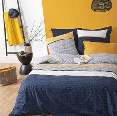 Parure de Couette à Rayures Ethniques (Bleu) Blue Yellow Bedrooms, Blue Bedroom Decor, Comforters, Color Pop, Blanket, Furniture, Home Decor, Actuel, Room Ideas