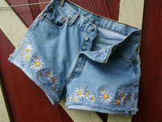 Embroidered denim shorts // check out my board for more cool styles