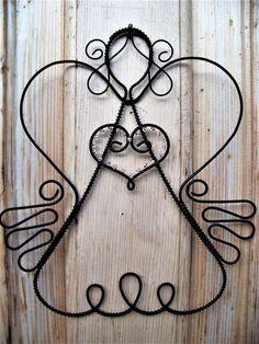 Potěšení z drátků. a nejenom z nich Wire Hanger Crafts, Wire Hangers, Wire Crafts, Metal Crafts, Diy And Crafts, Wire Wrapped Jewelry, Wire Jewelry, Angel Crafts, Homemade Ornaments