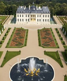 """versaillesadness: """"The chateau Louis XIV is one of the most expensive house on Earth as it was sold for 300 million USD 🏛 It's located in Louveciennes, France, and was inspired buy Versailles and Vaux-le-Vicomte 👑 . Farmhouse Side Table, Farmhouse Kitchen Decor, Farmhouse Design, Farmhouse Style, Chateau Louis, Vaux Le Vicomte, Expensive Houses, Mansions Homes, Rustic Contemporary"""