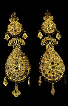 Morocco | Pair of earrings ~ Maticha ~ gold and diamonds rosettes | Fez, 19th century | 16'000€ ~ sold (Aug '10)