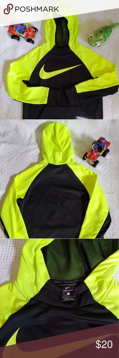 2b9f57c406 Boys Nike Jacket Boys Large Nike Dri Fit Jacket. Neon Green and Black. Only