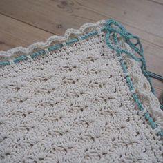 Babytæppe i muslingemønster Hæklet i økologisk bomuld - BC Garn Alba #hæklet #babytæppe #hæklettæppe #økologisk #garn #bcgarn #crochet #babyblanket #crochetblanket #organic #yarn #ecoknittingdk #igers #tagsforlikes #vsco #vscocam #vscogood