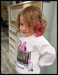 Short And Modern Hairstyles Modern Hairstyles, Female Models, Little Girls, Short Hair Styles, Graphic Sweatshirt, Mens Fashion, Women, Bob Styles, Moda Masculina
