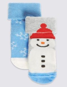 With a colourful The Snowman design, these cute cotton rich socks are perfect for fans!