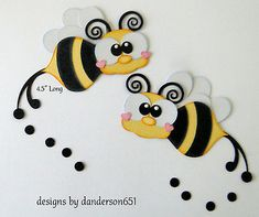 Halloween Paper Piecing Premade 4 Border Scrapbook Album Danderson 651 for sale online Bug Crafts, Wreath Crafts, Felt Crafts, Paper Crafts, Disney Drawings Sketches, Cute Disney Drawings, Precious Moments Coloring Pages, Bee Drawing, Punch Art Cards