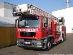 Stützpunktfeuerwehren in Brandenburg erhielten letztes Jahr 52 neue Fahrzeuge http://www.feuerwehrleben.de/stuetzpunktfeuerwehren-in-brandenburg-erhielten-letztes-jahr-52-neue-fahrzeuge/ #feuerwehr #fireighter