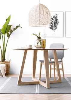 7 Choses à Propos De Mesa Comedor Redonda Que Vous Devez Vivre Vous-même <br> Dining Table Legs, Wooden Dining Tables, Dining Nook, Table And Chairs, Mediterranean Living Rooms, Living Room Designs, Living Room Decor, Beautiful Kitchens, Table Furniture