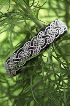 Mellanbreda armband