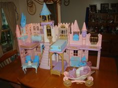 BARBIE PRINCESS AND THE PAUPER CASTLE DOLL HOUSE W FURNITURE CARRIAGE | eBay