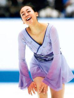 Japanese Figure Skater, Ice Skating, Alexander Mcqueen Scarf, Most Beautiful, Sari, Html, Unique, Fashion, Saree