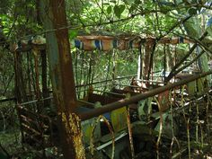 pictures of abandoned amusment parks | For more creepy photos of abandoned amusement parks and the stories ...