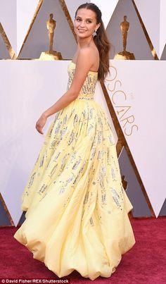 Best Supporting Actress nominee Alicia Vikander wears sparkly yellow frock as stars descend on Academy Awards red carpet | Daily Mail Online