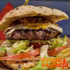 Taller del Bocadillo – Food Valencia Valencia, Hamburger, Burgers, Ethnic Recipes, Foodies, Hamburgers, Couple, Atelier, Restaurants
