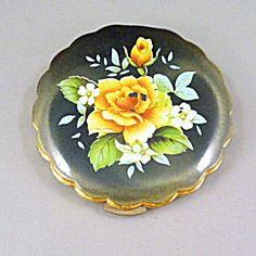 Vintage Powder Compact, Yellow Rose.