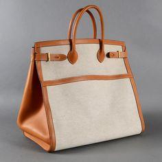 Choosing The Perfect Handbag That's Suitable For All Season - Best Fashion Tips Hermes Paris, Hermes Men, Crochet Double, Embossed Fabric, Crocodile, Prada, Hermes Handbags, Purse Styles, Made In France