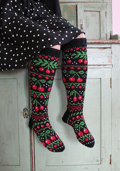 Ravelry: Cherrylicious Socks pattern by Heinikki design - Heini Perälä Knitted Mittens Pattern, Knit Mittens, Knitting Socks, Hand Knitting, Knitting Patterns, Knit Socks, Crochet Woman, Knit Crochet, Woolen Socks