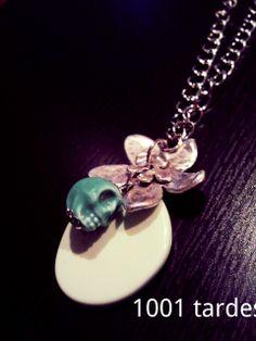 Detalle collar Flor y Calavera