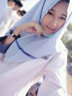 She is Lisa Aprilia,