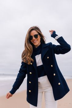 Gloomy Beach Morning in Watch Hill - Gal Meets Glam : Feminine style: navy and white stripes. Gloomy Beach Morning in Watch Hill Preppy Fall Fashion, Fall Fashion Trends, Women's Fashion, Preppy Style Winter, Preppy Look, Nautical Fashion, Autumn Fashion Classy, Fashion Online, Fashion Websites