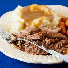EASY French Onion Slow Cooker Pot Roast		  Ingredients  3 Tbsp flour  1 tsp kosher salt  1/4 tsp pepper  3-4 pound boneless beef chuck roast  1-2 Tbsp canola oil  2 stalks of celery  4 carrots  1 (10.5oz) can Campbell's condensed french onion soup