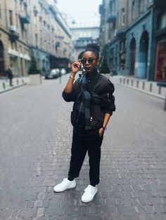 SPRING FASHION | Bomber Jacket and White Sneakers – #itanndy | chic | minimalistic fashion | black pants | #missguided | #black shades | navy bomber jacket | natural hair | blogger | plaid scarf | Street fashion | #h/m | model | female fashion |