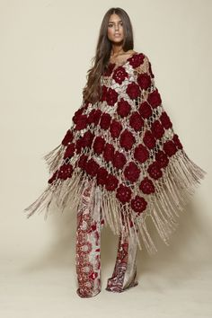 Items similar to Long fringed poncho. Burgundy crochet wrap for women on Etsy Poncho Crochet, Knitted Cape, Crochet Shawls And Wraps, Crochet Scarves, Crochet Clothes, Crochet Designs, Crochet Patterns, Cardigan Noir, Look Boho