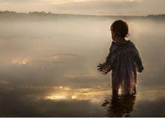 Russian photographer Elena Shumilova-beautiful photos of her children