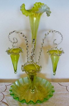 ANTIQUE ENGLISH VICTORIAN GREEN VASELINE GLASS EPERGNE