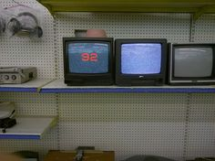 vaporwave frases like a random shop in salton sea dont forget to if you want daily dope nostalgic posts on your feed Design Set, Vaporwave, Tv Anime, Nagisa Shiota, Petra Collins, 80s Aesthetic, Aesthetic Vintage, Kitsch, Stranger Things