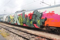 spraydaily:  Follow us here for more daily graffiti...