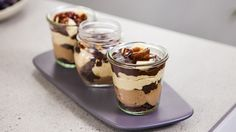 Chocolate Peanut Butter Cheesecake in a glass via Everyday Gourmet by Justine Schofield Dessert Shots, Pie Dessert, Dessert Recipes, Cheesecake In A Glass, Gourmet Recipes, Cooking Recipes, Chocolate Peanut Butter Cheesecake, Chocolate Biscuits, Chocolate Peanuts