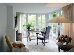 Binnenkijken met Walda Pairon in 'Interiors with a Soul' - Interieur - Livios Belgian Style, Modern Artwork, Sitting Area, Home Office, Decoration, Minimalism, Im Not Perfect, Contemporary, Interiors