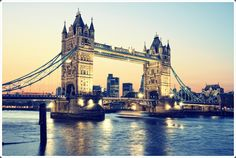 A London Tourist Guide. You Don't Need A Travel Agent To Pick A Great London Hotel. A great hotel turns your vacation into a fantasy. Hyde Park, Kerala, Cheap Hotels London, London Tourist Guide, Surf, London Attractions, Roadside Attractions, London Night, Things To Do In London