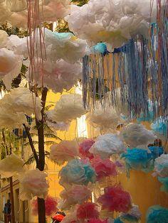 Tissue paper clouds – DIY in 2020 Paper Art, Paper Crafts, Diy Crafts, Paper Clouds, Photos Originales, Vacation Bible School, Installation Art, Oeuvre D'art, Decoration
