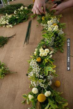 DIY fresh floral garland tutorial - for swags or garlands - can also use silks (simpler) | VIA #WEDDINGPINS.NET